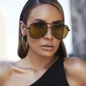 Never worn Quay Sahara sunglasses
